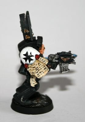 [Warhammer 40,000] Sergent Black Templar Space_hulk_black_templars_terminator_sergent_1_vue_3